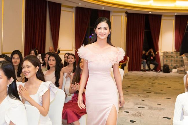 Lộ diện 30 người đẹp tiếp theo lọt vào bán kết Hoa hậu Việt Nam 2020 - Ảnh 9.