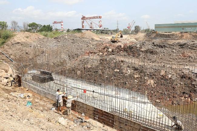 Quảng Ninh: Ưu tiên gỡ khó cho các công trình trọng điểm và loạt dự án của Vingroup  - Ảnh 1.