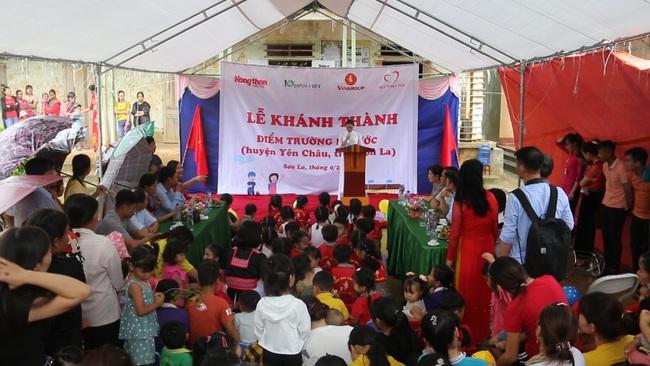 Clip: Niềm vui vỡ òa nơi biên ải - Báo Dân Việt chung tay với sự nghiệp giáo dục vùng cao - Ảnh 2.