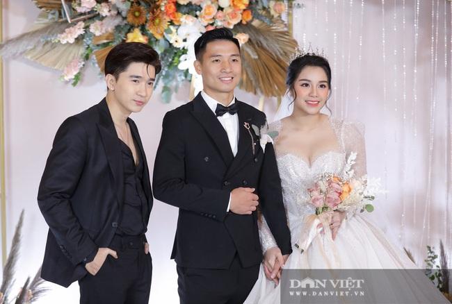 Quang Hải, Đình Trọng đến dự đám cưới Bùi Tiến Dũng - Ảnh 8.