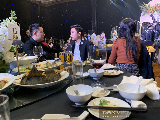 Quang Hải, Văn Toàn, Đình Trọng quẩy cực sung trong đám cưới Bùi Tiến Dũng - Ảnh 13.