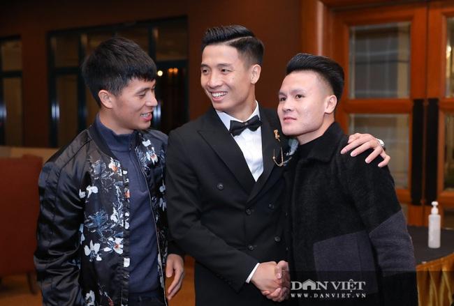Quang Hải, Đình Trọng đến dự đám cưới Bùi Tiến Dũng - Ảnh 9.