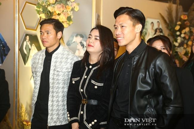 Quang Hải, Đình Trọng đến dự đám cưới Bùi Tiến Dũng - Ảnh 4.