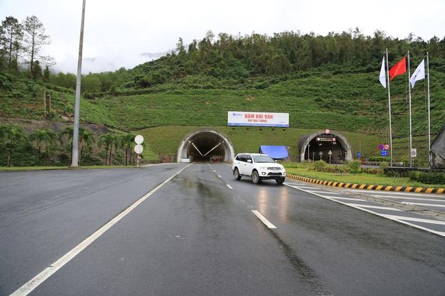 Khánh thành công trình hầm đường bộ dài nhất khu vực Đông Nam Á - Ảnh 2.