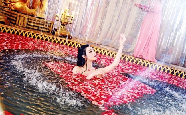 Bật mí chuyện tắm rửa của Từ Hy Thái hậu, tốn kém đến mức khiến triều đình mục ruỗng - Ảnh 1.