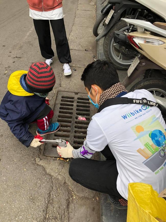 Green Life và Wiibike Việt Nam tổ chức đạp xe trợ lực điện thu gom rác tại Bờ Hồ - Ảnh 8.