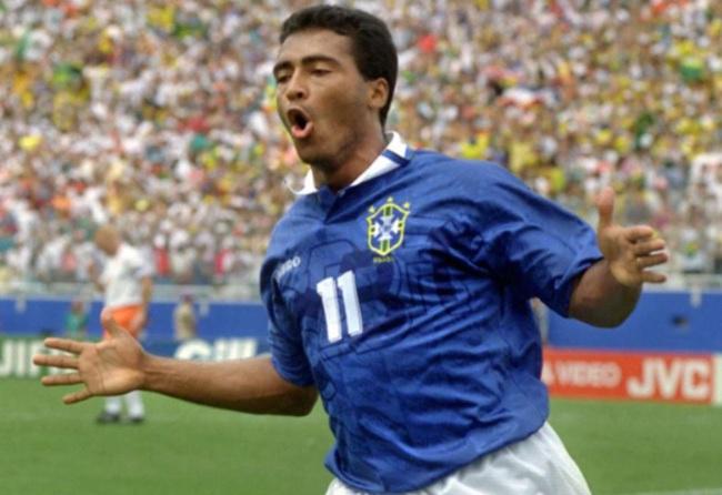 10 chân sút ghi nhiều bàn thắng nhất mọi thời đại: Ronaldo chỉ xếp số 4 - Ảnh 9.