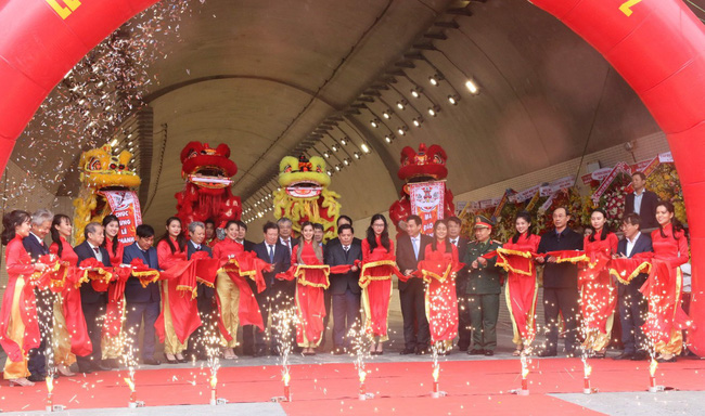 Khánh thành công trình hầm đường bộ dài nhất khu vực Đông Nam Á - Ảnh 1.