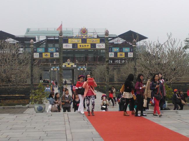 Thừa Thiên Huế đưa ra 3 phương án tăng trưởng du lịch năm 2021  - Ảnh 1.