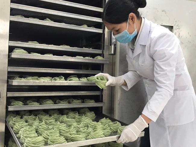 """Nghệ An:  Từ """"hai bàn tay trắng"""", bà chủ 8X đưa sản phẩm nông nghiệp hữu cơ ra thị trường thế giới - Ảnh 3."""