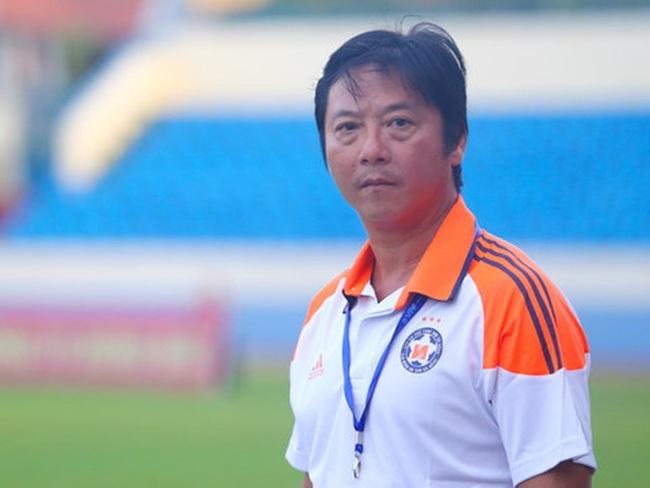 """""""Sếp"""" SHB Đà Nẵng tiết lộ sự thật về sức khỏe của HLV Lê Huỳnh Đức - Ảnh 1."""