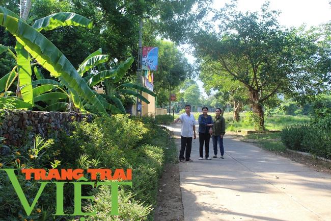 Lương Sơn xây dựng đồng bộ đường giao thông nông thôn - Ảnh 1.