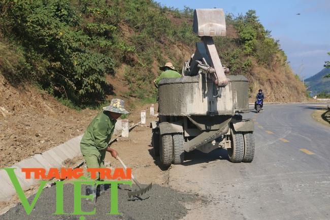 Lương Sơn xây dựng đồng bộ đường giao thông nông thôn - Ảnh 6.