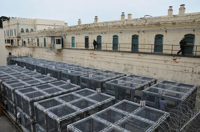 10 nhà tù đáng sợ nhất thế giới: Có nơi tù nhân xin được tử hình - Ảnh 5.
