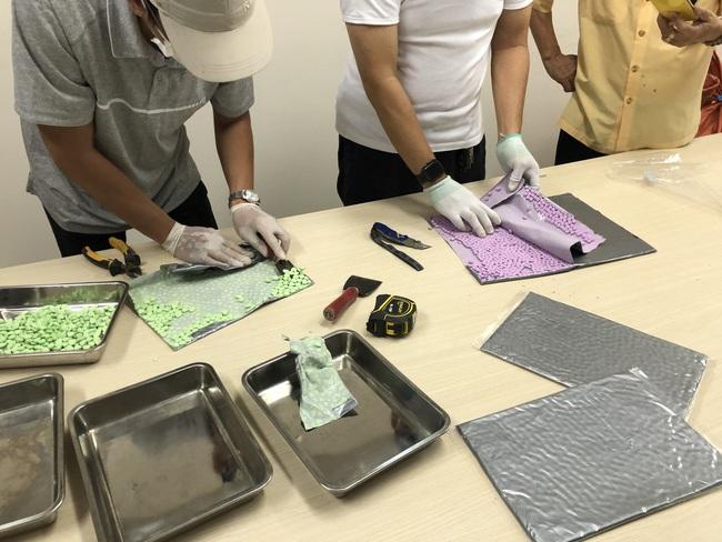 Hơn 31 kg ma túy trong các kiện hàng nhập khẩu gửi qua đường chuyển phát nhanh, bưu chính - Ảnh 1.