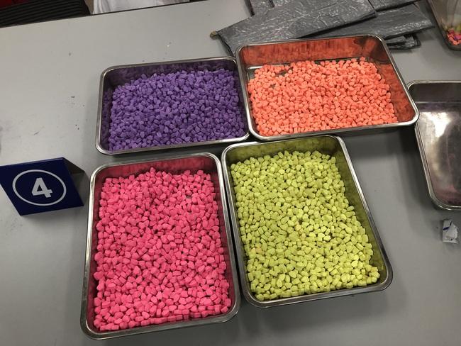 Hơn 31 kg ma túy trong các kiện hàng nhập khẩu gửi qua đường chuyển phát nhanh, bưu chính - Ảnh 5.