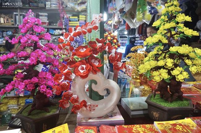 Đà Nẵng: Sức mua yếu, thị trường hoa giả ảm đạm cận Tết Nguyên đán 2021 - Ảnh 5.