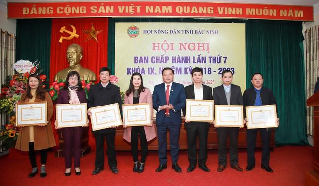 Bắc Ninh kết nạp mới trên 2.000 hội viên nông dân, hàng chục nghìn hộ được hỗ trợ vốn vay  - Ảnh 4.