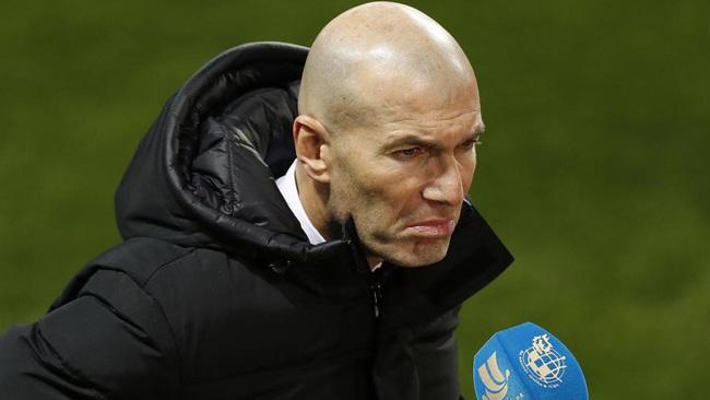 HLV Zidane không hài lòng về trận thua ngay trên sân nhà.