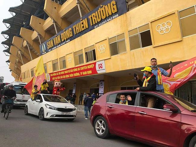 CĐV Nam Định làm nóng Thiên Trường trước trận khai mạc V.League - Ảnh 3.