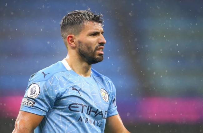 Aguero phải giảm lương nếu muốn ở lại Man City.