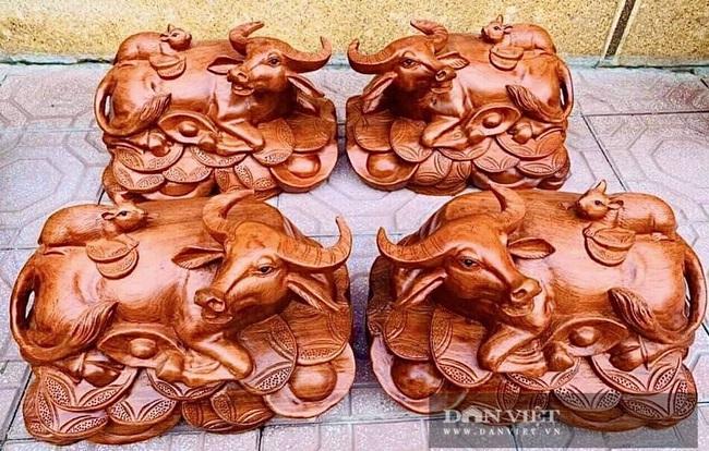 Hà Nội: Trâu gỗ giá tiền triệu cháy hàng dịp cận Tết, bán đàn trâu 300 con thu về ngay 500 triệu đồng - Ảnh 7.