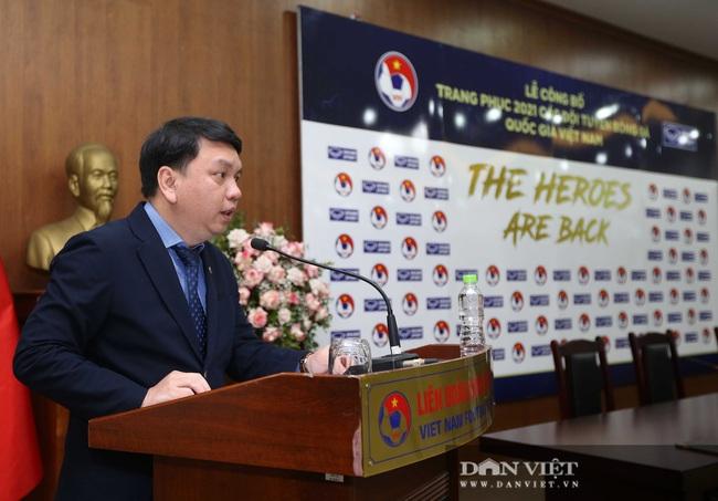 Quế Ngọc Hải, Bùi Tiến Dũng đến tham dự lễ công bố trang phục mới cho đội tuyển bóng đá quốc gia - Ảnh 1.
