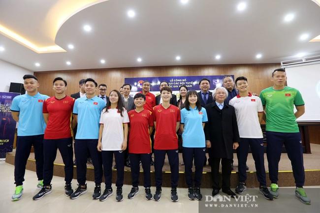 Quế Ngọc Hải, Bùi Tiến Dũng đến tham dự lễ công bố trang phục mới cho đội tuyển bóng đá quốc gia - Ảnh 9.