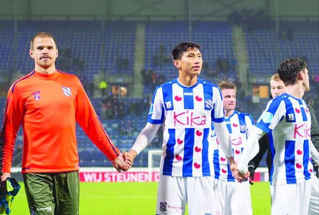 """SC Heerenveen """"thảm"""" ra sao kể từ khi chia tay Đoàn Văn Hậu? - Ảnh 1."""