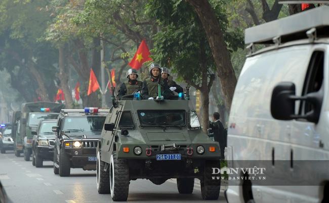 Công an Hà Nội ra quân bảo vệ Đại hội Đảng XIII - Ảnh 9.