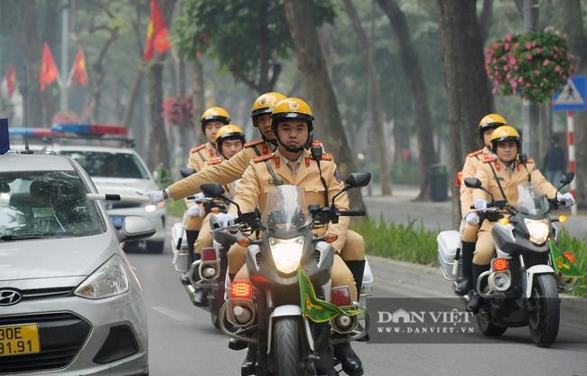Công an Hà Nội ra quân bảo vệ Đại hội Đảng XIII - Ảnh 8.