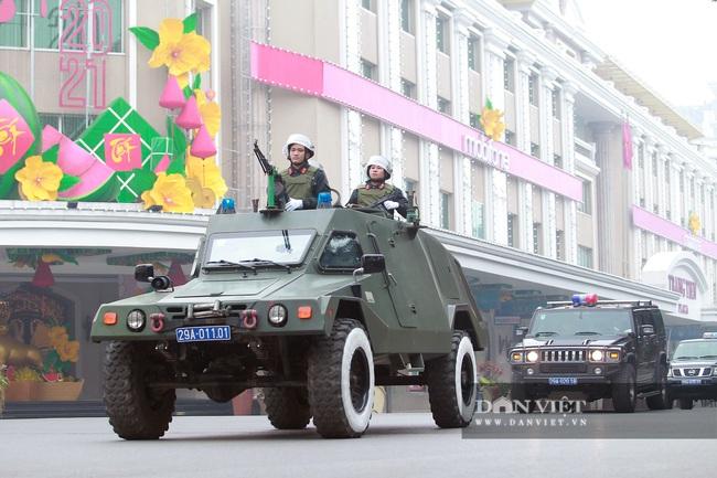 Công an Hà Nội ra quân bảo vệ Đại hội Đảng XIII - Ảnh 10.