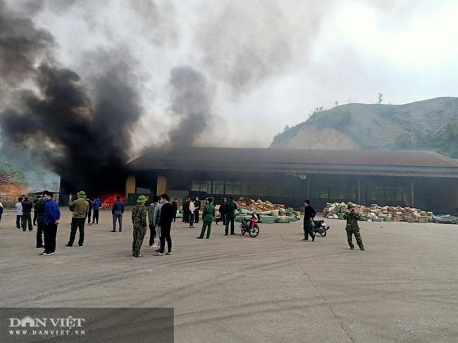 Quảng Ninh: Cháy kho hàng Cửa khẩu Bắc Phong Sinh - Ảnh 4.