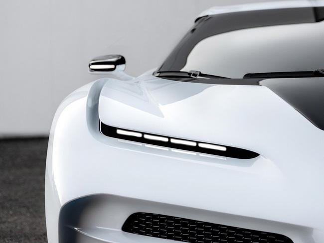 Siêu xe Bugatti Centodieci của Cristiano Ronaldo: Giá 254 tỷ, thế giới chỉ có 10 chiếc - Ảnh 6.