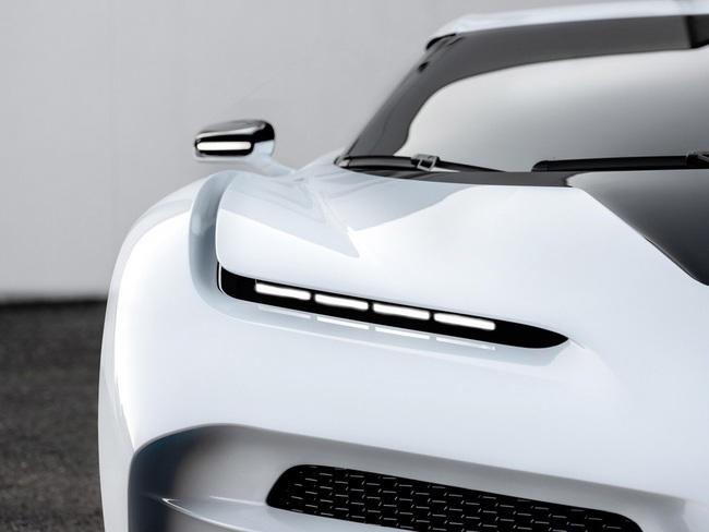 Siêu xe Bugatti Centodieci của Cristiano Ronaldo: Giá 254 tỷ, thế giới chỉ có 10 chiếc - Ảnh 5.