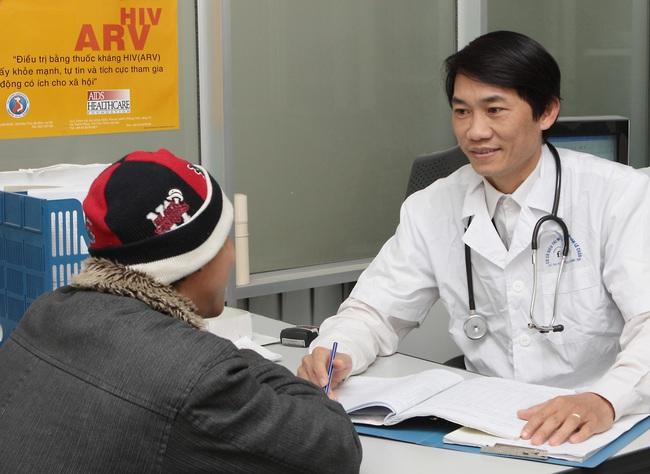 Gia tăng nhiễm HIV ở nhóm nam đồng giới - Ảnh 1.