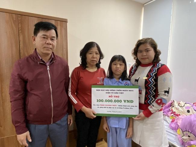 Báo NTNN/ Dân Việt tặng tiền cấy điện từ ốc tai: Tặng hi vọng cho những đứa trẻ kém may mắn - Ảnh 2.