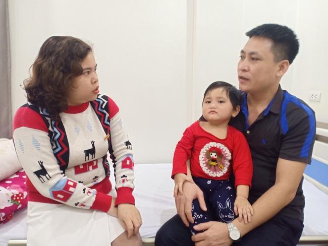 Báo NTNN/ Dân Việt tặng tiền cấy điện từ ốc tai: Tặng hi vọng cho những đứa trẻ kém may mắn - Ảnh 4.