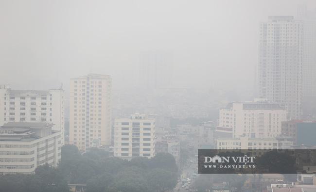 Hà Nội sương mù như Sa Pa, nhiều ôtô phải bật đèn đi giữa ban ngày - Ảnh 11.