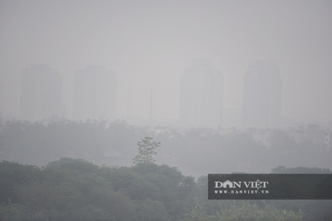 Hà Nội sương mù như Sa Pa, nhiều ôtô phải bật đèn đi giữa ban ngày - Ảnh 16.