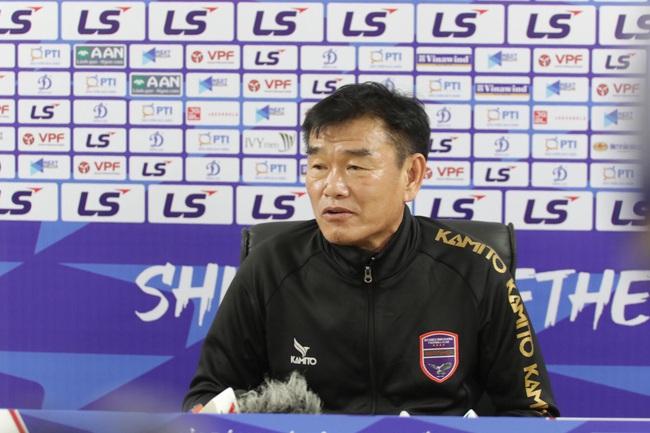 Thắng Hà Nội, HLV Phan Thanh Hùng đặt mục tiêu lọt vào Top 6  - Ảnh 1.