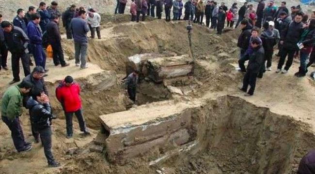 Khai quật mộ cổ Trung Quốc: Tử thi đột ngột 'biến dạng' khiến các nhà khảo cổ khiếp sợ - Chuyện gì vậy? - Ảnh 2.