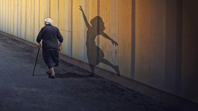 Những việc lúc trẻ không làm, khi về già ắt phải hối tiếc - Ảnh 1.