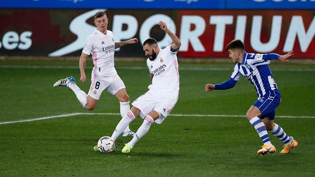 Real Madrid thắng đậm, trợ lý Bettoni dành lời khen cho... HLV Zidane - Ảnh 1.