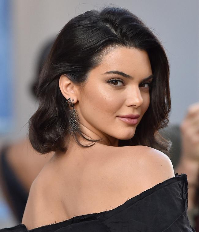 Kendall Jenner diện bikini sexy sau khi công khai bạn trai mới - Ảnh 9.