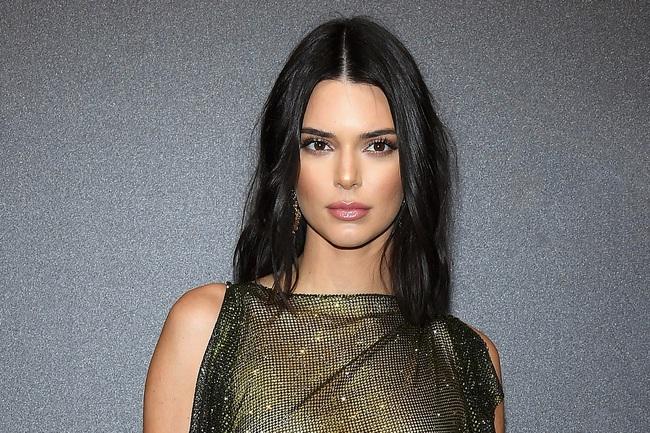 Kendall Jenner diện bikini sexy sau khi công khai bạn trai mới - Ảnh 7.