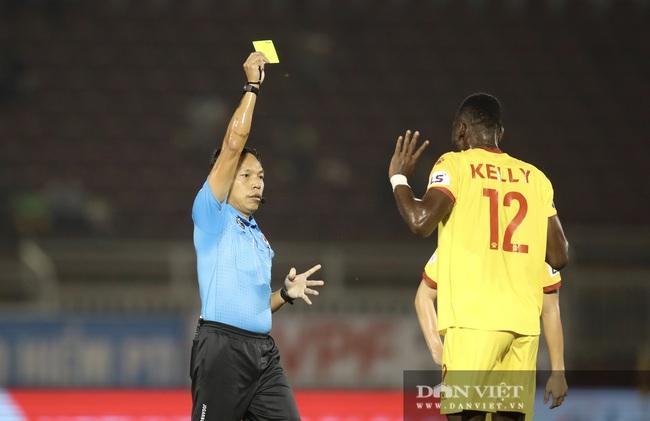 Lee Nguyễn có màn ra mắt ấn tượng, CLB TP.HCM thắng trận - Ảnh 8.