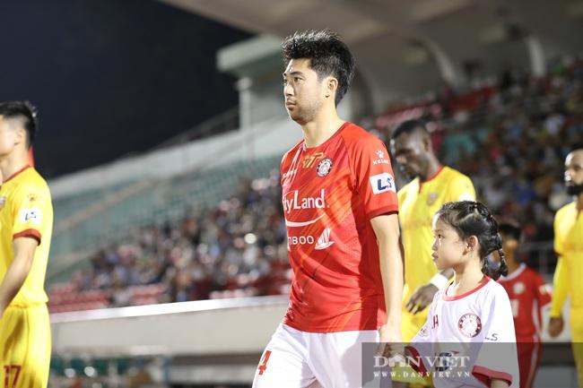 Lee Nguyễn có màn ra mắt ấn tượng, CLB TP.HCM thắng trận - Ảnh 2.