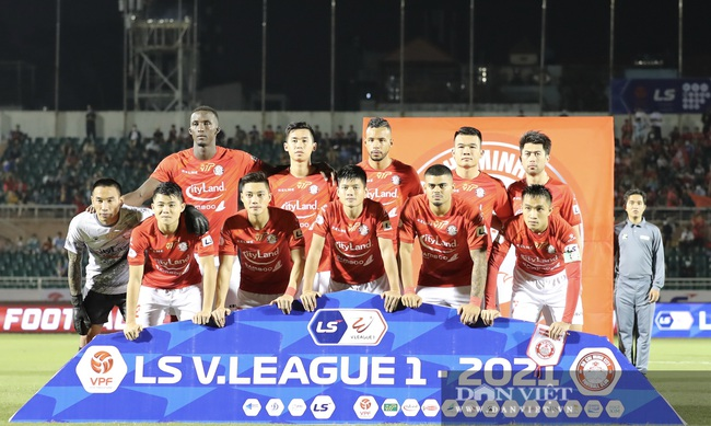 Lee Nguyễn có màn ra mắt ấn tượng, CLB TP.HCM thắng trận - Ảnh 1.