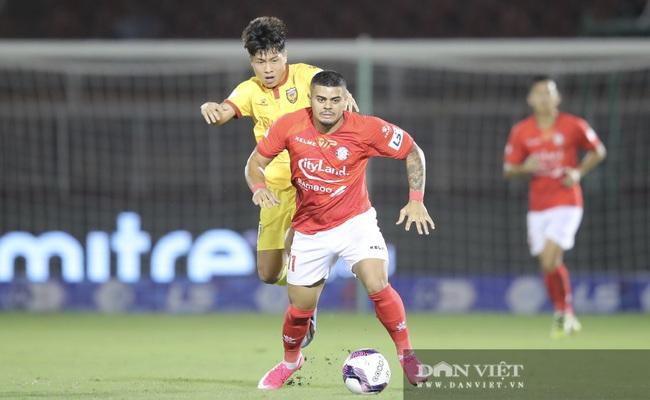 Lee Nguyễn có màn ra mắt ấn tượng, CLB TP.HCM thắng trận - Ảnh 10.